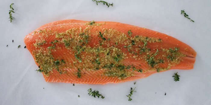 Baked salmon with garlic and lemon thyme