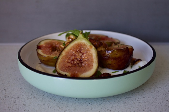 Grilled Honey-Figs with Vanilla Bean Yoghurt and Spiced Nuts